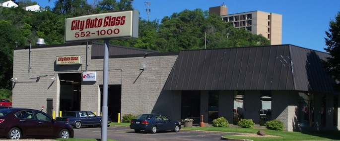 City Auto Glass' South St. Paul location offers windshield replacement & auto glass repair services
